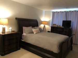 Bedroom set for Sale in Tigard, OR