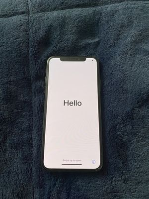 iPhone X 256GB accepting Cash app, Venmo , zell for Sale in Los Angeles, CA