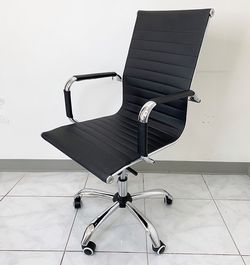 $85 (new in box) ergonomic computer chair pu leather swivel adjustable recline for home office for Sale in Pico Rivera,  CA