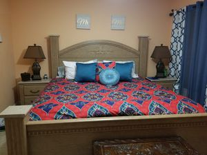 King Bed for Sale in Miami, FL