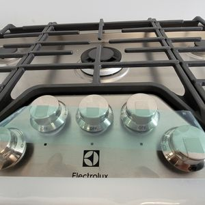 Electrolux Gas Cooktop With 5-burners New With 6month's Warranty for Sale in Mount Rainier, MD