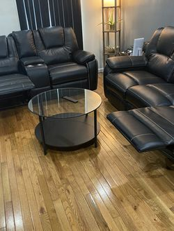 Sofas And Coffee Table for Sale in Philadelphia,  PA