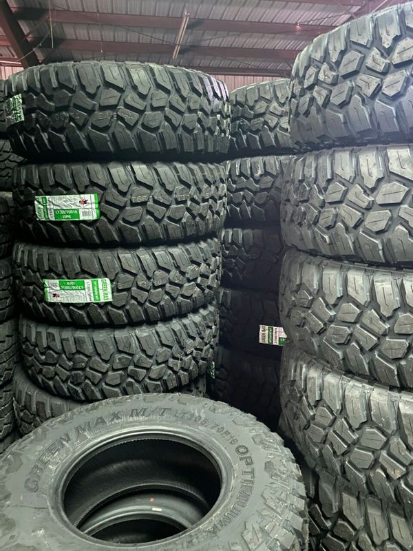 31x10.50R15 set of 4 new tires