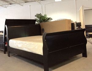 King black sleigh bed with mattress and free delivery for Sale in Austin, TX