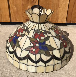 Stained Glass Tiffany Style Hanging Light Fixture. for Sale in Livermore, CA