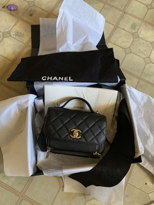 CHANEL FLIP BAG 100% authentic for Sale in Long Beach, CA