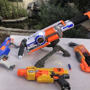 Awesome Nerf Gun Bundle. Includes Nerf Raider CS-35, Nerf Vagabond, Nerf Elite Rhino Fire, Barricade RV-10 for Sale in San Diego, CA