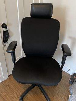 Ergonomic Office Chair for Sale in Issaquah,  WA