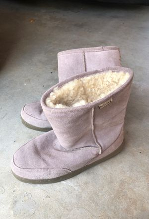Size 13 Bearpaw Ugg Sheep Slippers for Sale in Vista, CA