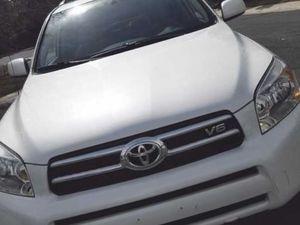 Drives excellent / Toyota RAV 4 for Sale in Wichita, KS