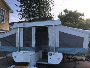 14 ft pop up camper for Sale in Orlando, FL