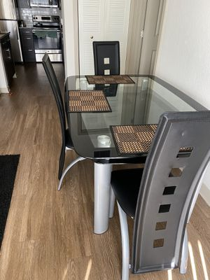 Vendo comedor for Sale in Doral, FL