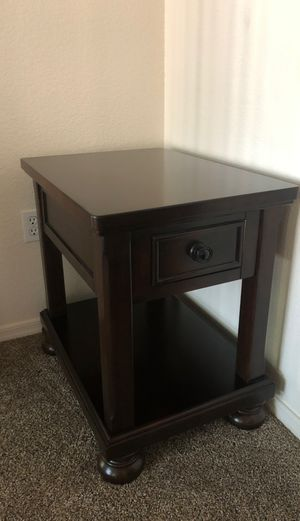 End Table - Dark Brown Wood for Sale in Chandler, AZ