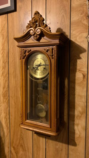 Antique 2 springs time and strike wall clock for Sale in Bellflower, CA