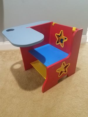 Child combo desk and seat for Sale in NO POTOMAC, MD