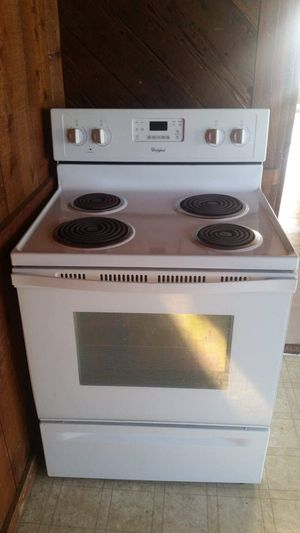 Whirlpool electric stove for Sale in Ville Platte, LA