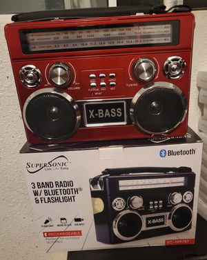 New 3 band radio bluetooth, flashlight, sd usb, fm for Sale in Riverside, CA