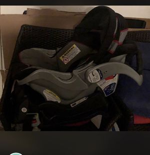 Car seat with base for Sale in Hermantown, MN