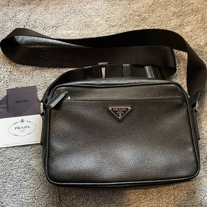 Prada : Messenger bag for Sale in Las Vegas, NV