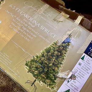 Christmas Tree (Artificial Pre-Lit) for Sale in Visalia, CA