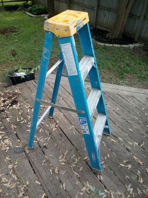 4ft fiberglass ladder for Sale in Dublin, OH