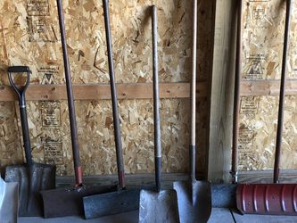 8 Shovels for Sale in Grafton,  OH
