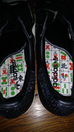 Adidas sz 9 for Sale in Matteson, IL