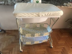 BABY changing table and bathtub Baby wipe warmer! for Sale in Belleair, FL