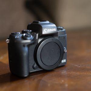 Canon EOS M5 for Sale in Irvine, CA