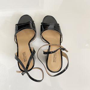 Michael Kors Sandal 6.5 Black for Sale in Chicago, IL