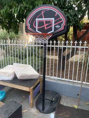 Lifetime Basketball Hoop for Sale in Glendale, CA