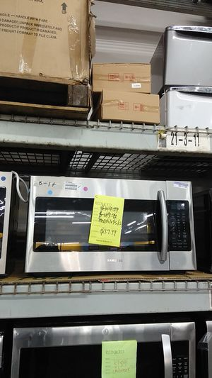Samsung over-the-range microwave for Sale in Pomona, CA
