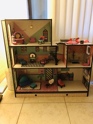 LoL doll house for Sale in Fort Myers, FL