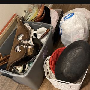 PENDING Free Stuff for Sale in Damascus, OR