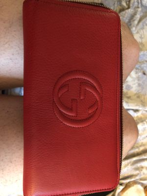 Authentic women's Gucci wallet MUST GO TODAY!! for Sale in Dublin, OH