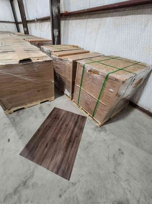 Luxury vinyl flooring!!! Only .65 cents a sq ft!! Liquidation close out! F for Sale in Ciudad Juárez, MX