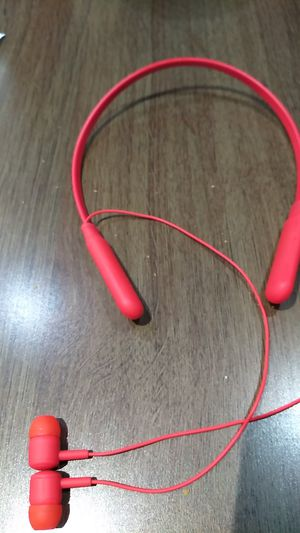 Bluetooth headphones for Sale in Kissimmee, FL