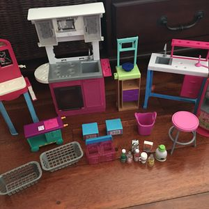 Barbie Dolls Accessories And Kitchen for Sale in Vernon, CA