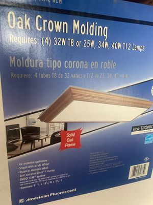 New! Large oak crown molding light. Pick up near Belmont and Cicero for Sale in Chicago, IL