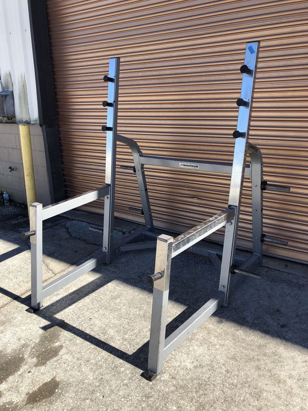Nautilus Commercial Squat Rack- 6 Weight Pegs , Front Bar Holder