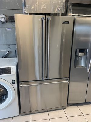 VIKING FRENCH DOOR REFRIGERATOR for Sale in Oceanside, CA