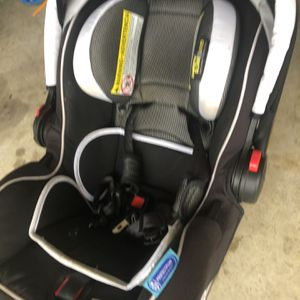 Graco Snugride Infant Car Seat And Base for Sale in Georgetown, TX