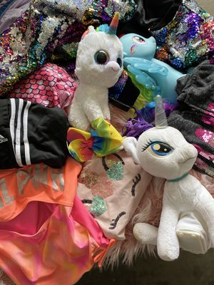 Clothes and plushies/toys for Sale in Oak Forest, IL