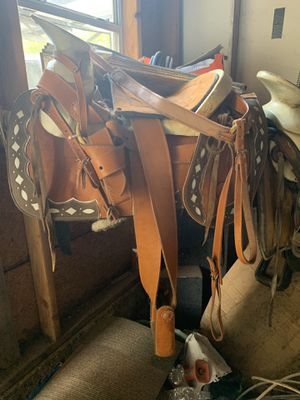 Montura $250 for Sale in Fort Worth, TX
