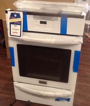 New open box frigidaire gas wall oven FFGW2415QWC for Sale in Hawthorne, CA