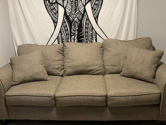 Couch for Sale in Saint Charles,  MO