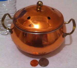 "Vintage Metal Copper and Brass Potpourri Canister, Jar, Container, 7"" x 5"", Kitchen Decor, Bathroom Decor, Shelf Display for Sale in Lakeside, CA"