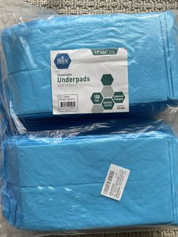 100 New / Unpacked Disposable Pads (perfect for changing table) for Sale in Walnut Creek,  CA