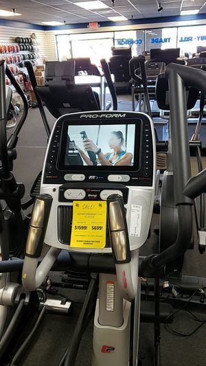 Proform endurance 1520e elliptical! Top model! for Sale in Glendale, AZ