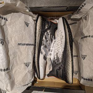 Adidas Ultraboost PB Women's Size 12 for Sale in Lillington, NC